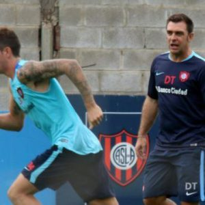 Caruzzo o Franco para disputar el clásico frente a Independiente