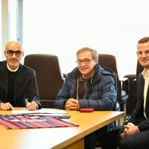 Paolo Montero firmó su contrato hasta diciembre de 2022 con San Lorenzo