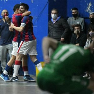 Triunfo y clasificación para el Futsal